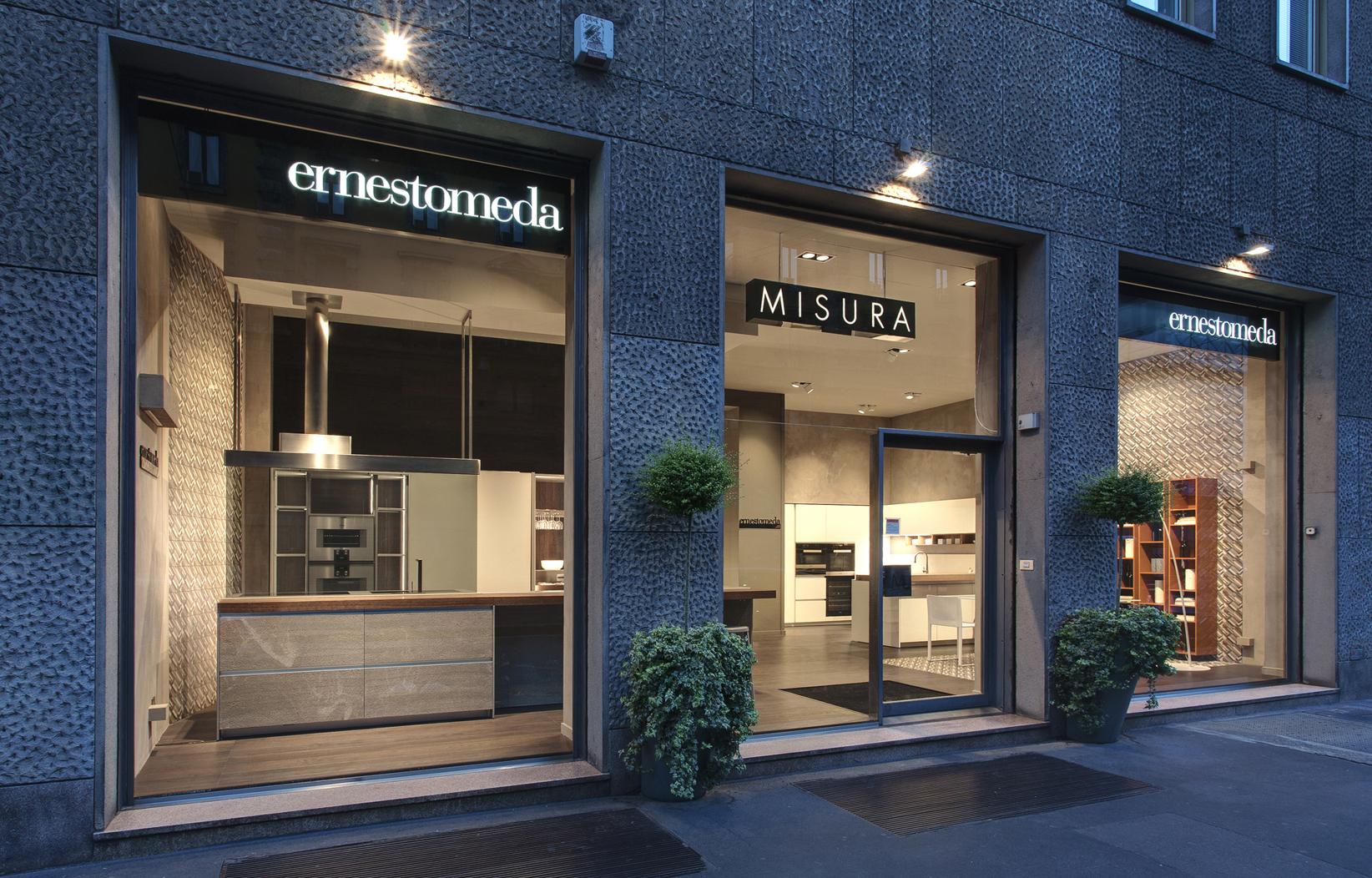 Nuovo spazio flagship ernestomeda a milano for Misura arredamenti milano